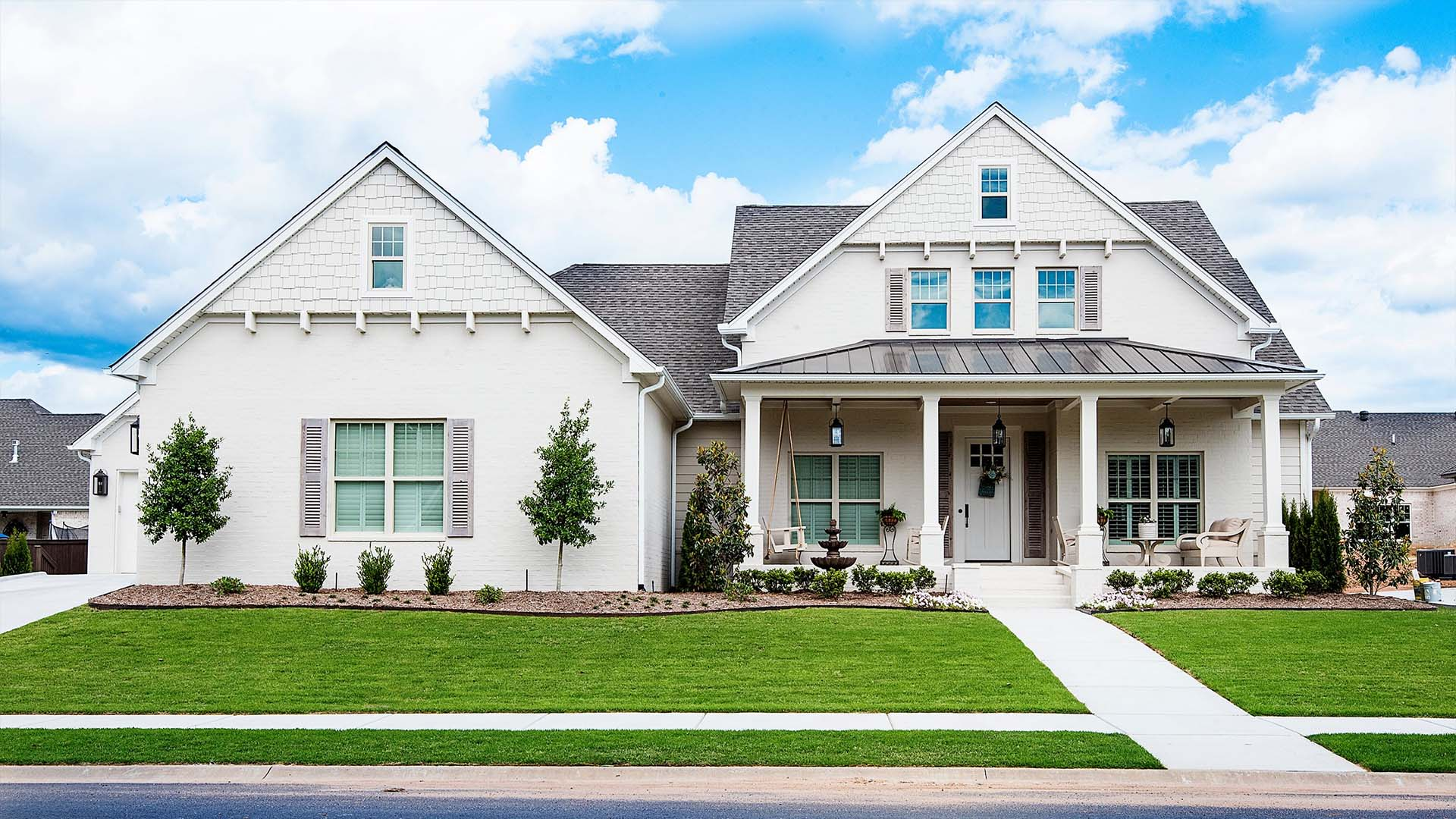 A Tom Watson Construction custom home with white features